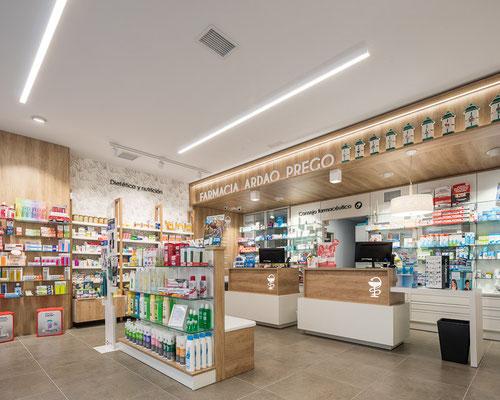 Diseño, proyecto y reforma farmacia Ardao Prego -  Ferrol - Galicia