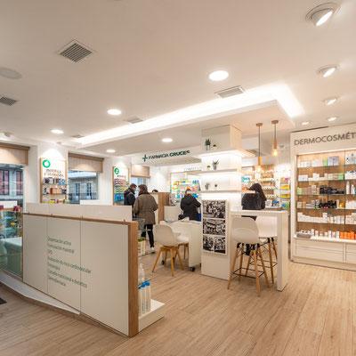 Diseño, proyecto y reforma farmacia Ardao Cruces -  Noia - Galicia