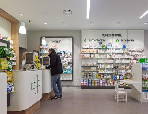 Diseño, proyecto y reforma farmacia Carmen Amodio - Verín- Galicia