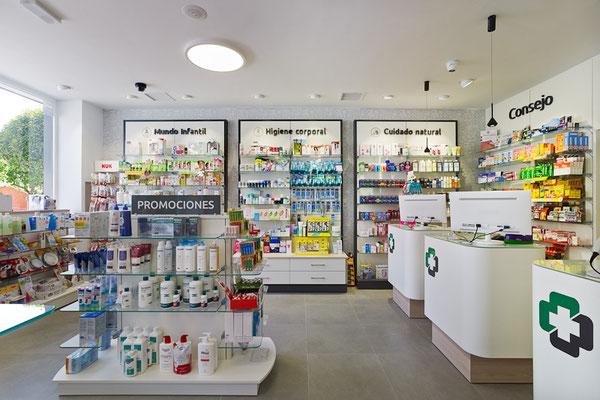 Diseño, proyecto y reforma farmacia Maria Fandiño - Santiago - Galicia