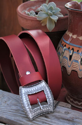 ceinture en cuir ethnique artisanale
