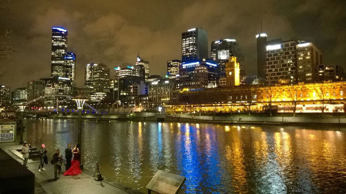 ...der die Lichter der Stadt reflektiert!