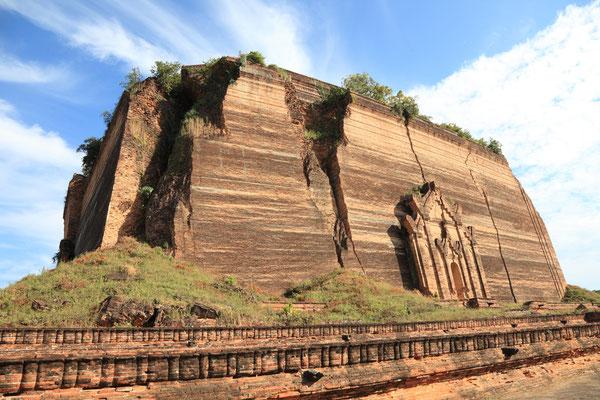 Die Ruinen der Mingun Pagode