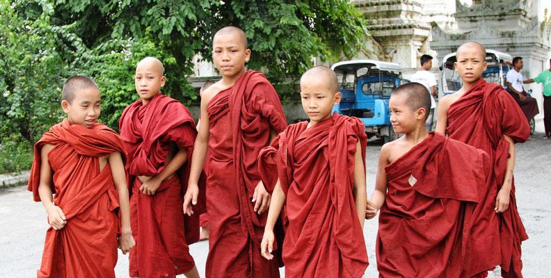 Buddhistische Mönche Burma