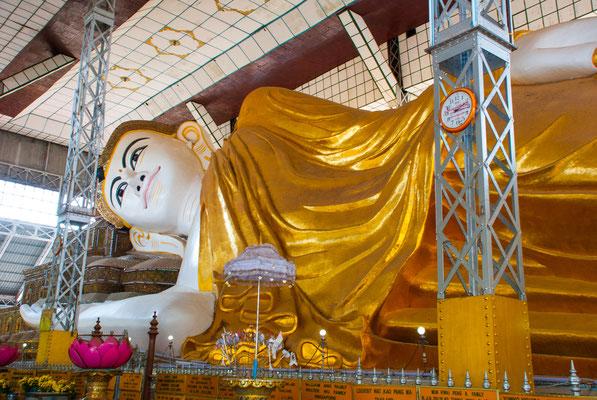 Der liegende Buddha von Shwethalyaung.