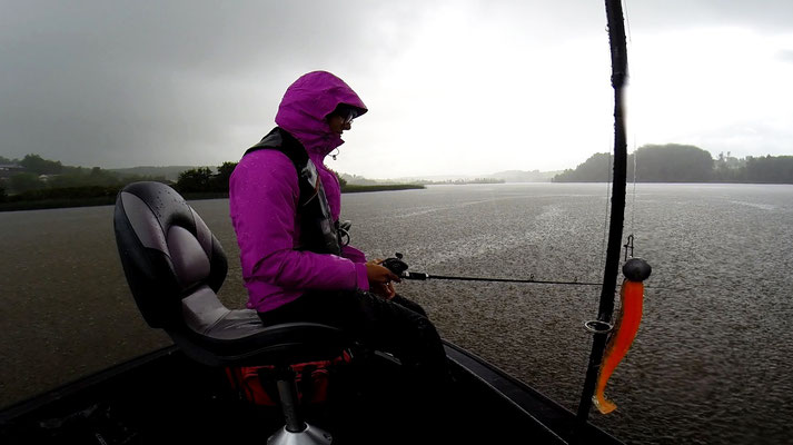 Zanderangeln bei viel Regen