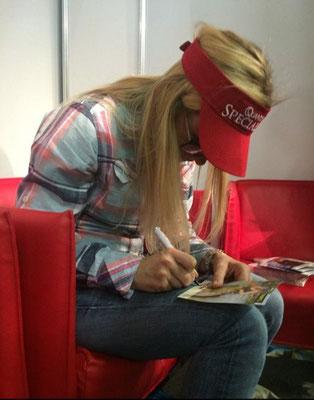 Autogrammstunde mit Babs Kijewski in Österreich