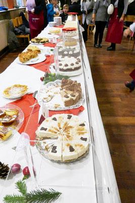 Leckere Kuchen locken zum Verzehr