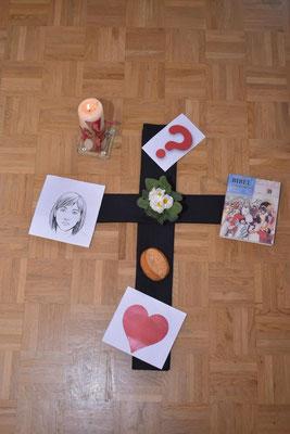 Die Gegenstände verdeutlichen uns, auf was wir in der Fastenzeit besonders achten wollen.