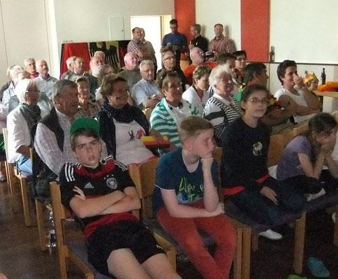 """Fußballweltmeisterschaft 2014 - beim """"Rudelgucken am 26.06.2014"""