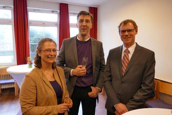 Frau Breiter (li.) und die KV-Mitglieder Dr. Stefan Breiter und Dr. Christian Waschke