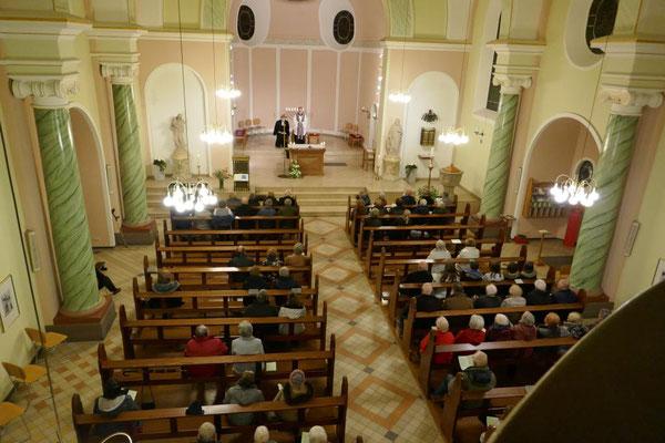 Rund 60 Gottesdienstbesucher...