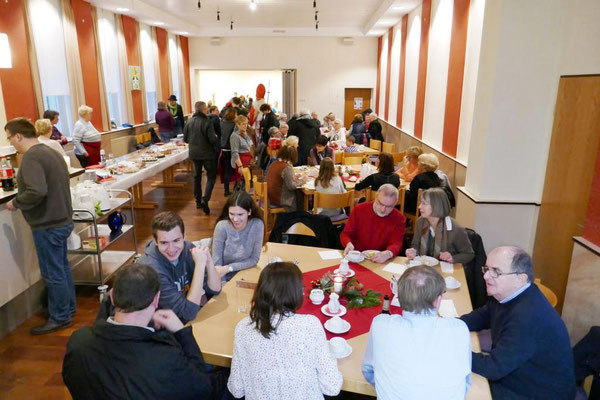 Blick zur Mittagszeit ins Gemeindeheim
