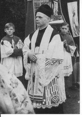 1934 – 1951 Gerhard Hellweg, Pfarrvikar