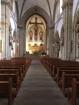 Das Hauptschiff im kath. Dom von Osnabrück