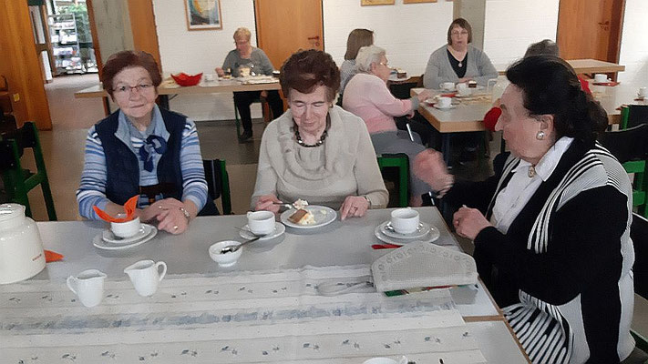 Drei Damen aus kath. Kirchengemeinde St. Josef, Haßlinghausen