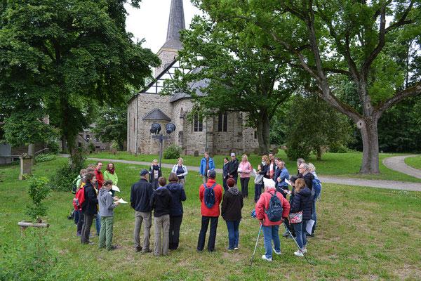 Einführung an der Stiepeler Dorfkirche