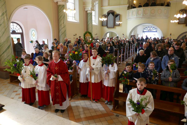 Vor dem Auszug am Ende der Hl. Messe