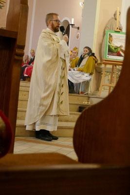 Pfarrer Brurkhard Schmelz bei seiner Ansprache