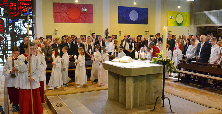 Einzug in die Kirche