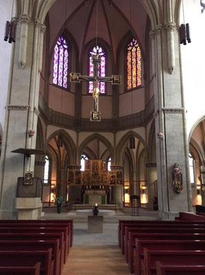 Der Altarraum in der ev. Kirche St. Marien