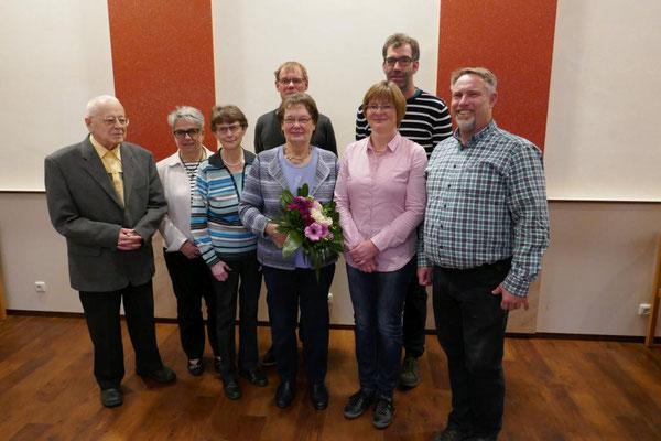 Gruppenfoto mit Mitgliedern des bisherigen und neuen Vereinsvorstandes