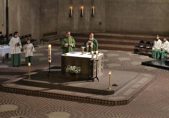 Während der Hl. Messe