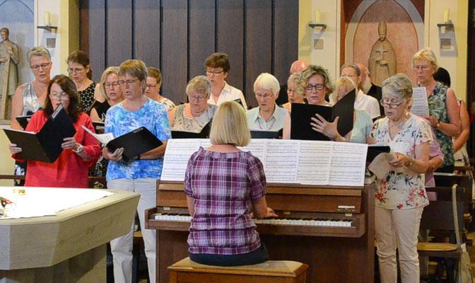 Der Kirchenchor singt