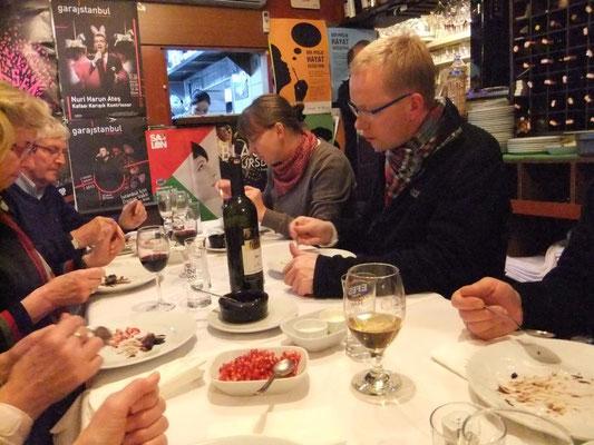Abendessen in Istanbul während Türkeipilgerreise 2013
