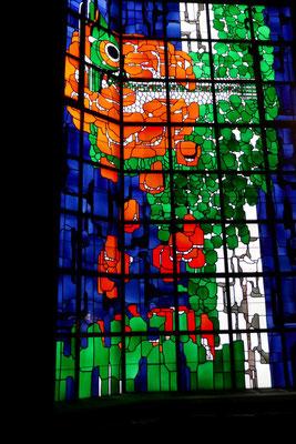 Krichenfenster in der Seitenkapelle beim Gnadenbild