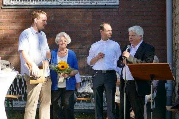 Willkommensgruß durch Pastor Wieland Schmidt, Anne Frahne und Bernd Fallbrügge