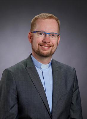 ab 25.10.2009 Pastor Burkhard Schmelz, ab 01.06.2014 auch Pfarrer der Großpfarrei St. Peter und Paul