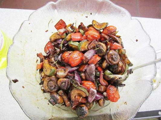 Pilze und Tomaten