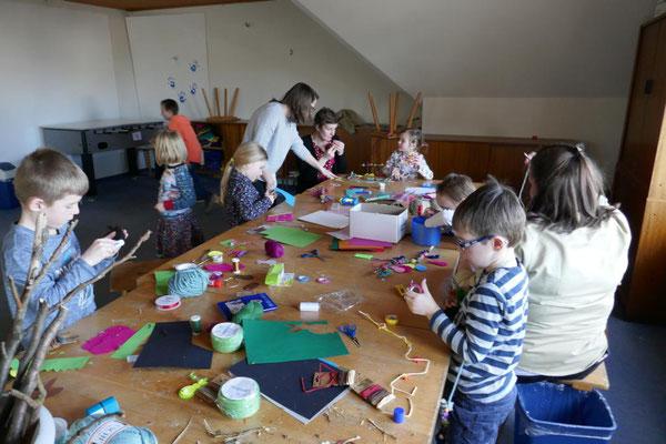 Bastelarbeiten der Kinder