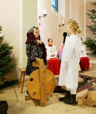 Der Engel kündigt Maria die Empfängnis an