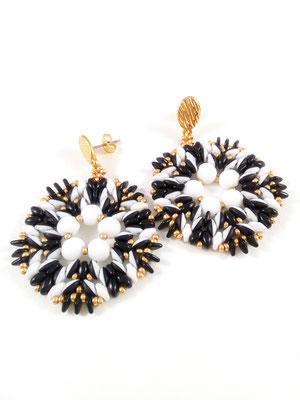 Ohrring Opposite by Kinari Handmade Jewellery Perlengewebter Schmuck