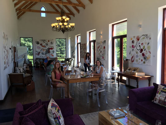 Tastingroom auf dem Weingut Ataraxia Walker Bay in Südafrika