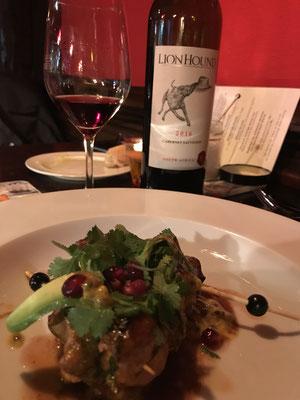 Ridgeback macht wunderbare Rotweine, die man gern auch zum Essen genießen kann.