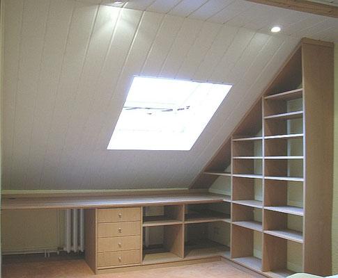 Büro in Dachschräge