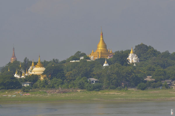 Ayayarwady River with  Sagaing Hill [Sagaing/Myanmar]