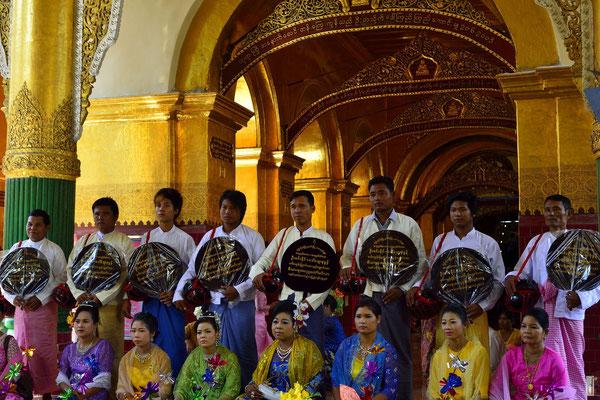 Mahamuni Pagoda - Maha Myat Muni Pagoda [Mandalay/Myanmar]