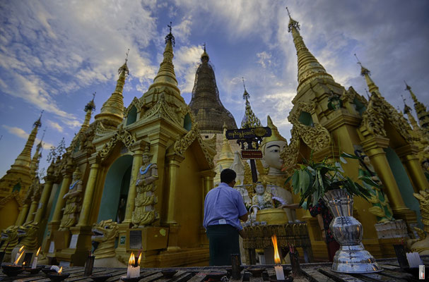 Shwedagon Pagoda [Yangon/Myanmar]