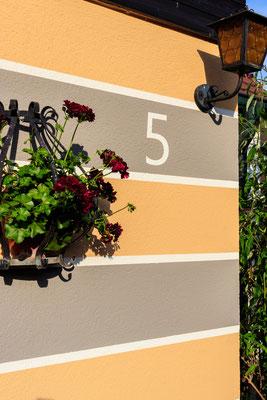 Fassade Hausnummer nachher