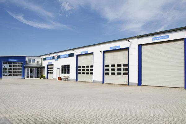 ... wie es heute ist: Die Kfz-Service Park GmbH hat sich im Laufe der Jahre stetig weiterentwickelt und vergrößert.
