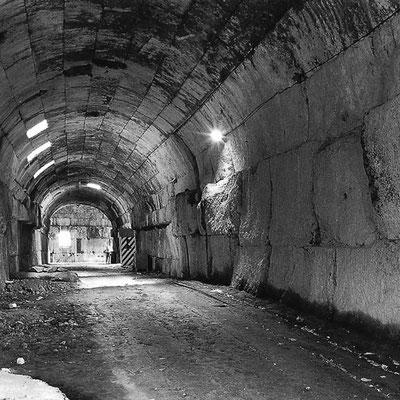 Der Tunnel vor dem Umbau zum Museum.