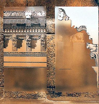 Zwei 1 m x 2 m große Displays mit historischen archäologischen Zeichnungen. Jedes Thema ist mit einer eigenen Farbe hinterlegt. Die Displays gibt es in vier unterschiedlichen Formaten.