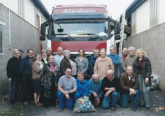 L'équipe du 19 deavant le camion de 13 tonnes (90 m3)