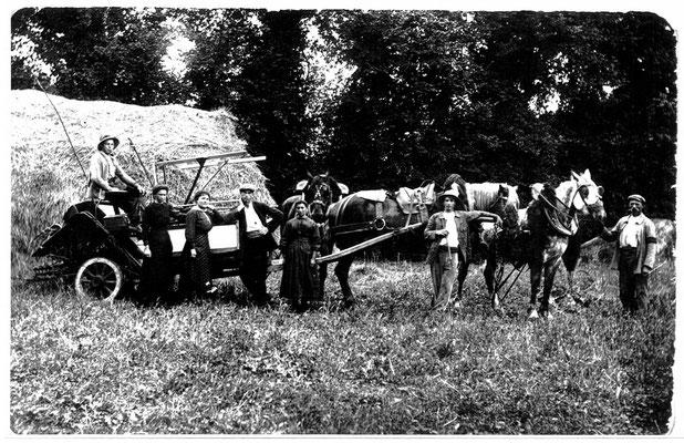 Le battage du blé à Virson en 1920
