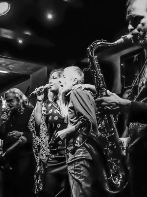Phil Reinhardt special guest, Peter Natterer/sax, Gerry Bartolovits/backing voc - The Golden Harp, wíen 2017