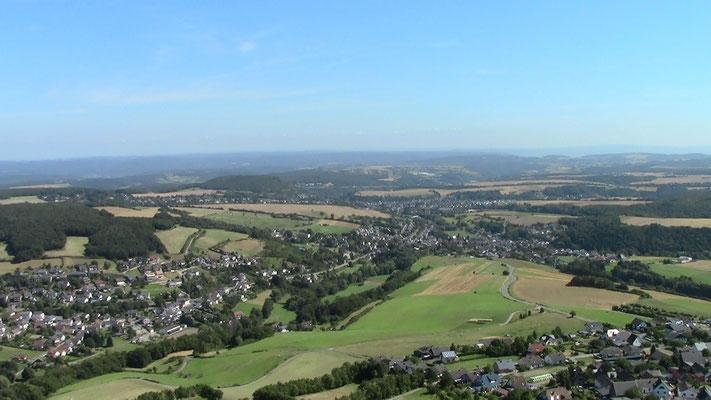 Blick von der Burg Olbrück in die Eifel